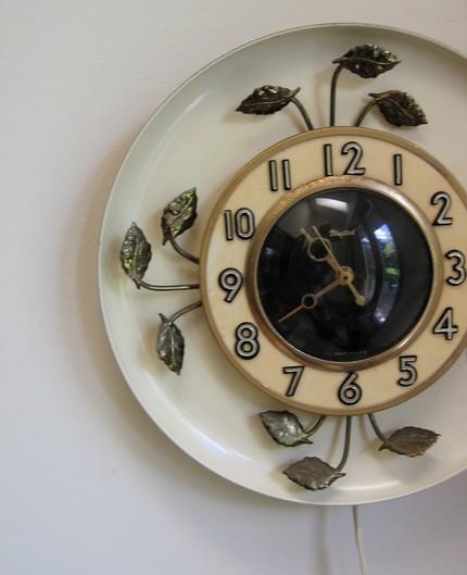 Clock-leaves