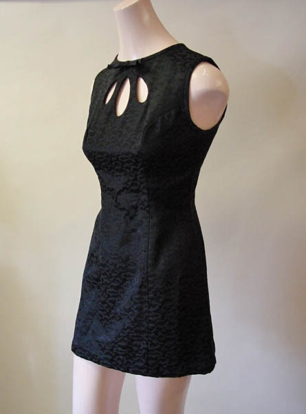 vintage 1960s black mini dress - daisyfairbanks