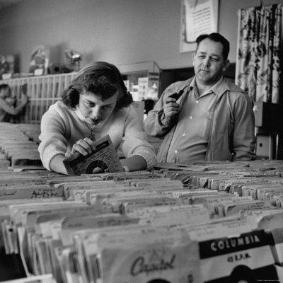 Nina-leen-music-store
