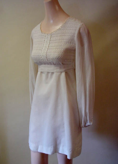 vintage white 60s dress - daisyfairbanks