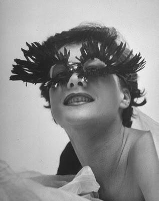 Schiaparelli-eyelash