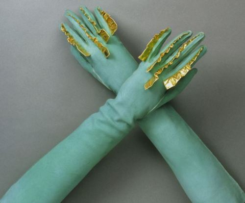Schiaparelli-gloves